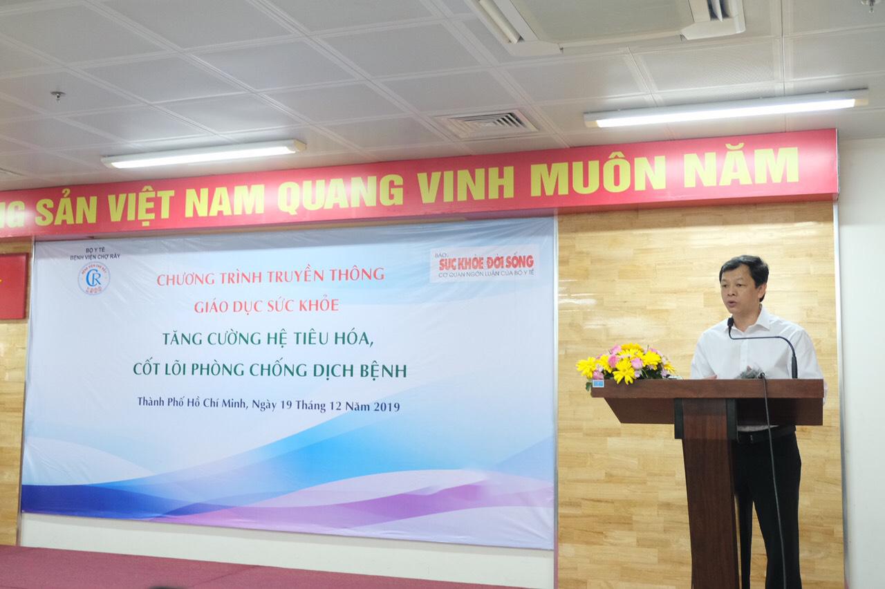 TTƯT.BS CK II Nguyễn Tri Thức, Giám đốc Bệnh viện Chợ Rẫy, phát biểu tại hội thảo.