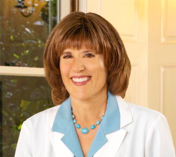 Susan Lark là một trong những người tiên phong trong lĩnh vực Dinh dưỡng Lâm sàng và phòng bệnh